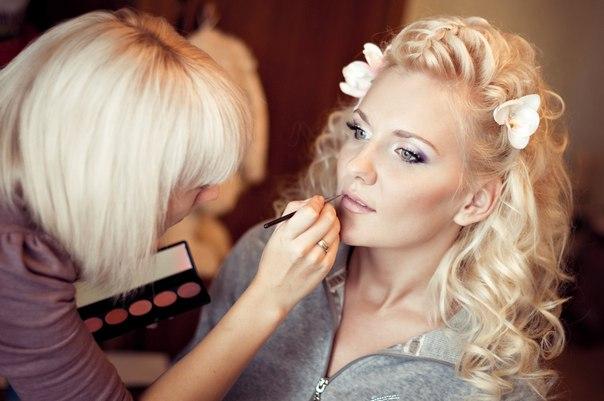 Примерить макияж и причёску по фото